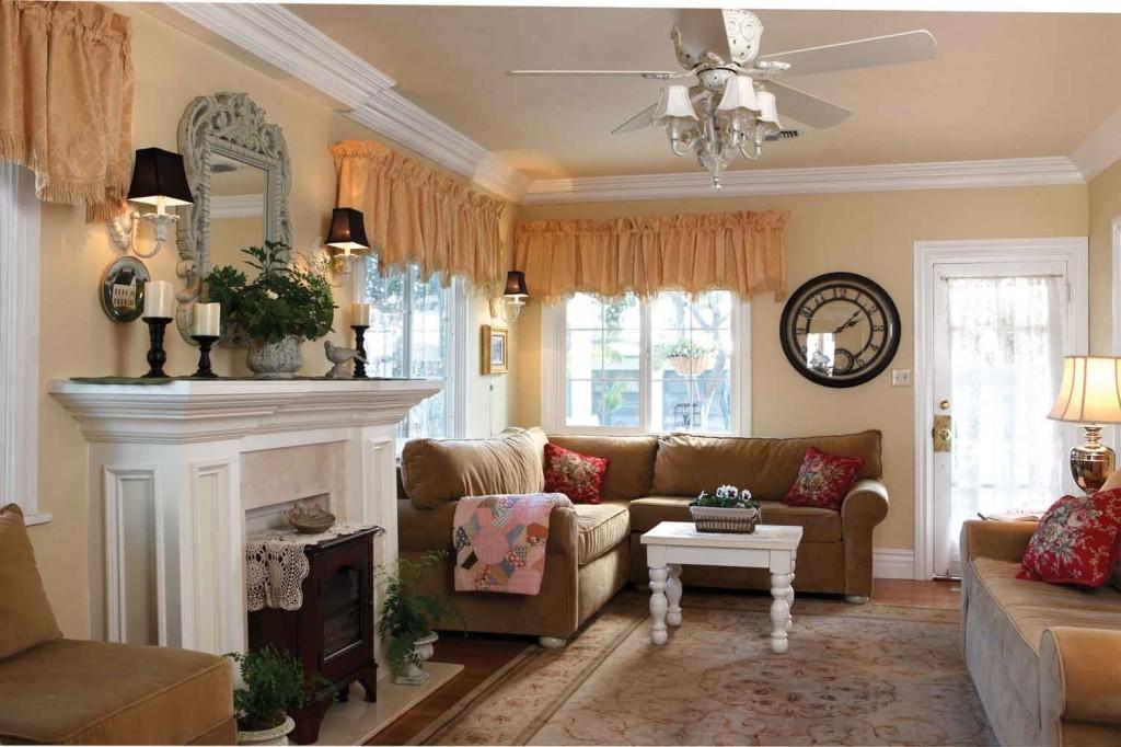 Small Cottage Decoration