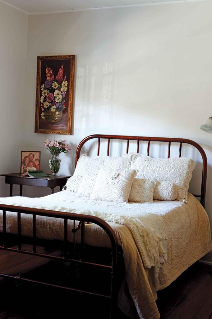 1900 iron Murphy bed