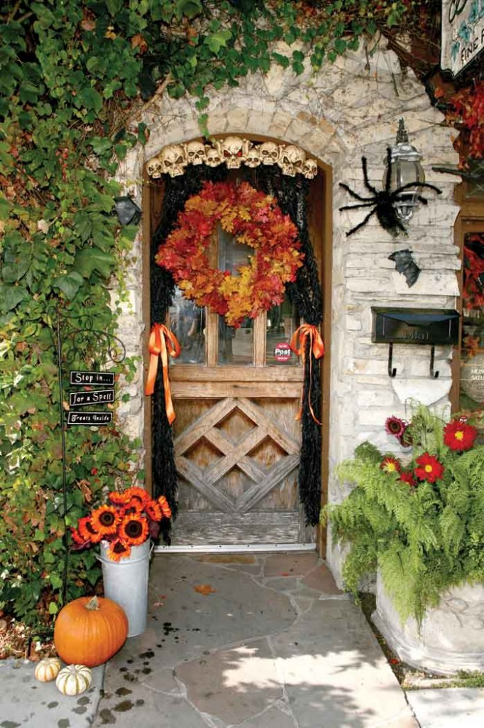 Cottages Doorway Decor Ideas