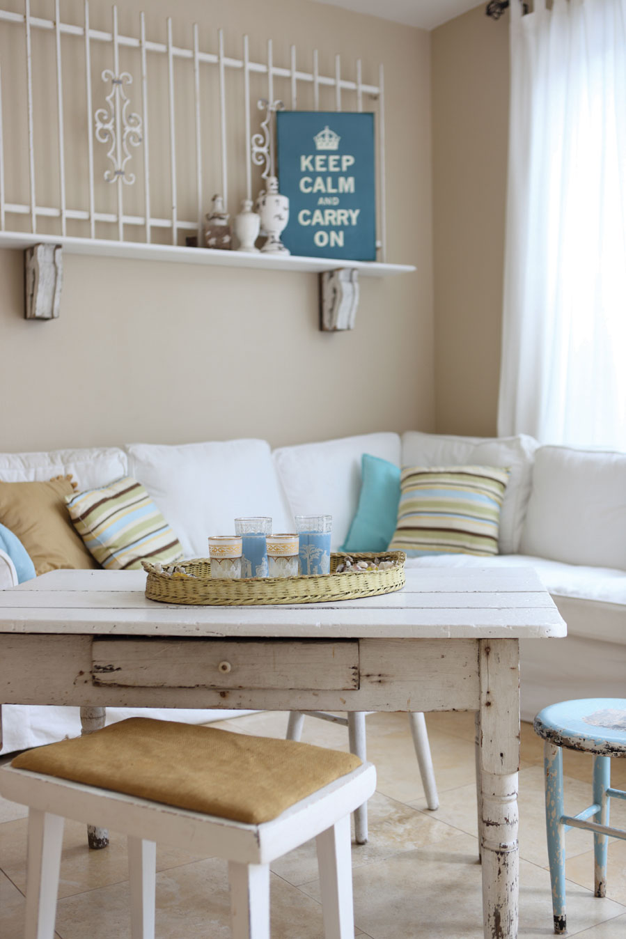 Combining Shabby-Chic with Vintage Elements - Cottage style ...