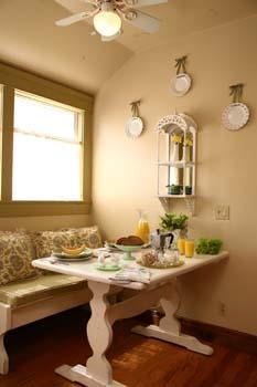 Cottage Table Decor