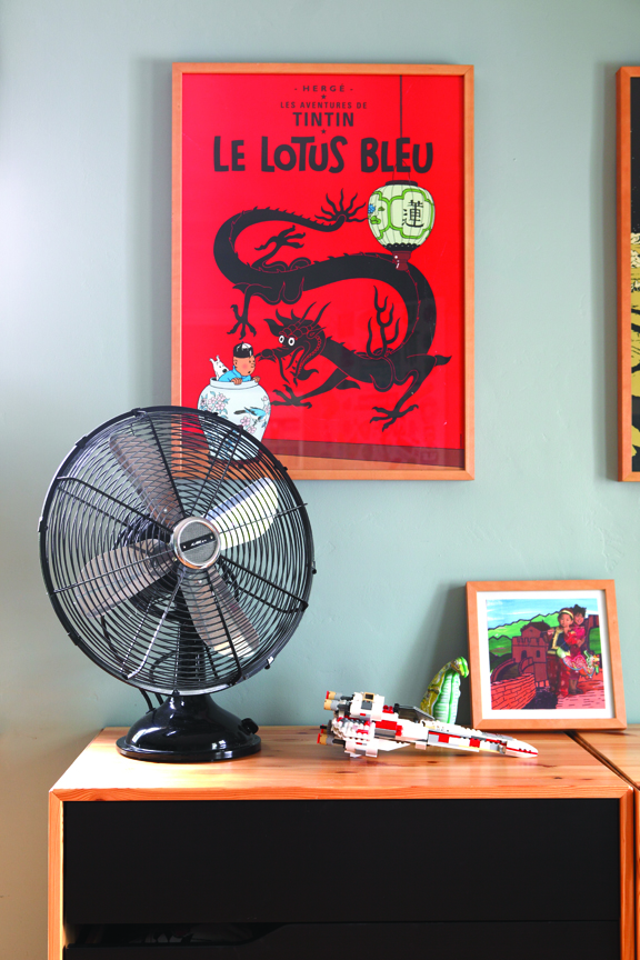 Vintage fan and art