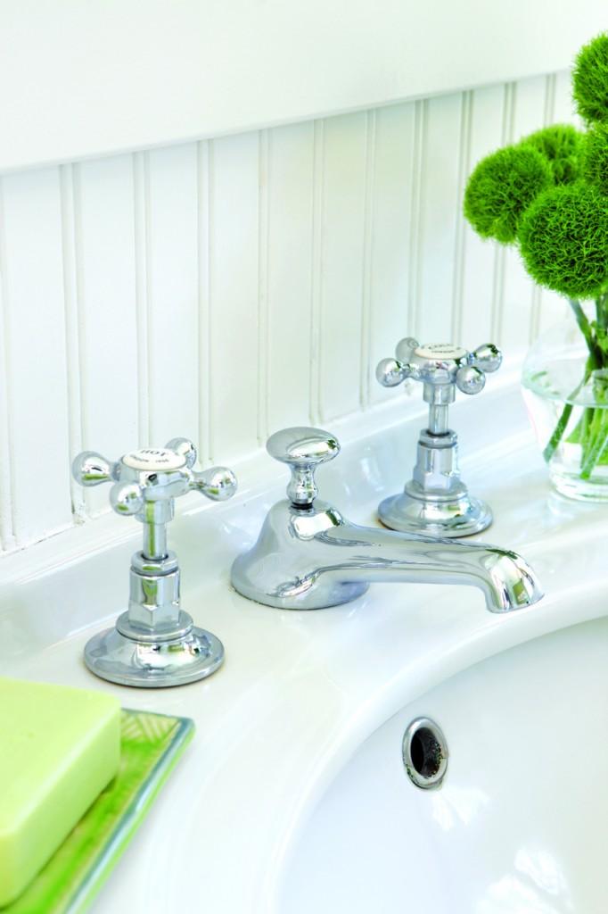 Porcelain sink hardware