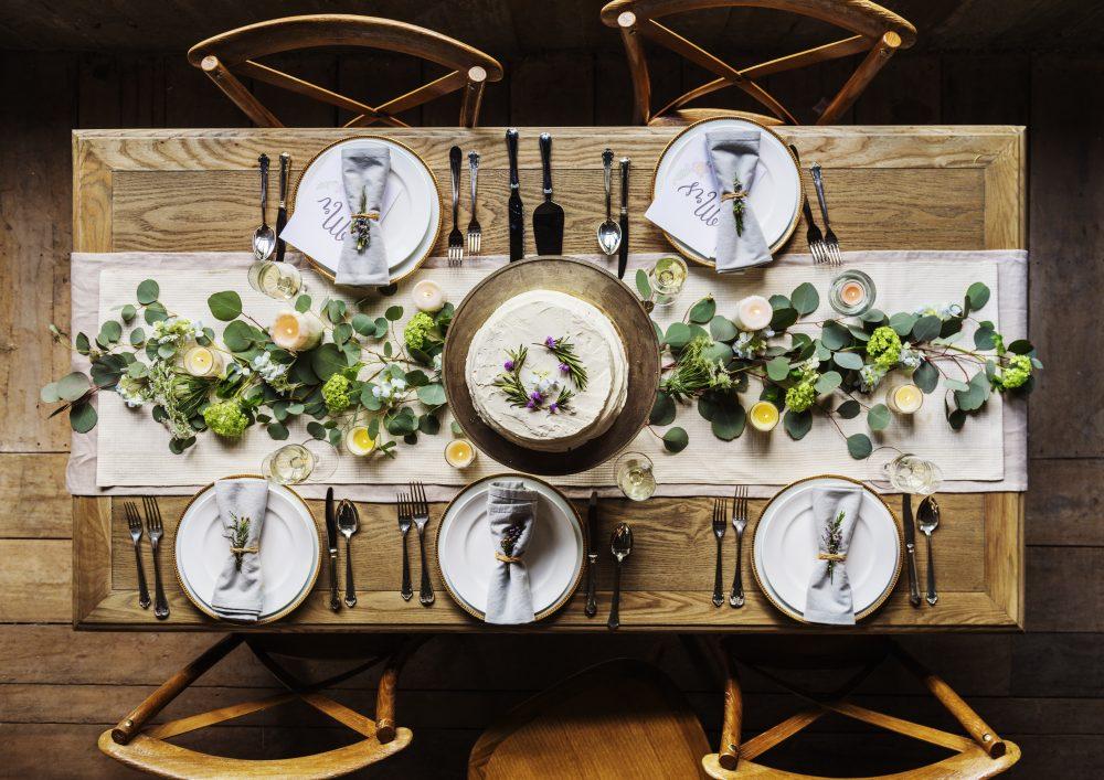Genial Elegant Restaurant Table Setting Service For Reception