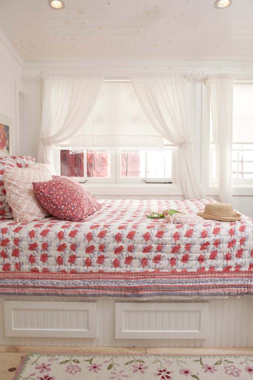 Pink Spring Bedroom