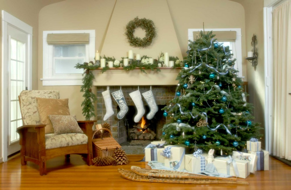 christmas cottages - Different Christmas Decorating Styles