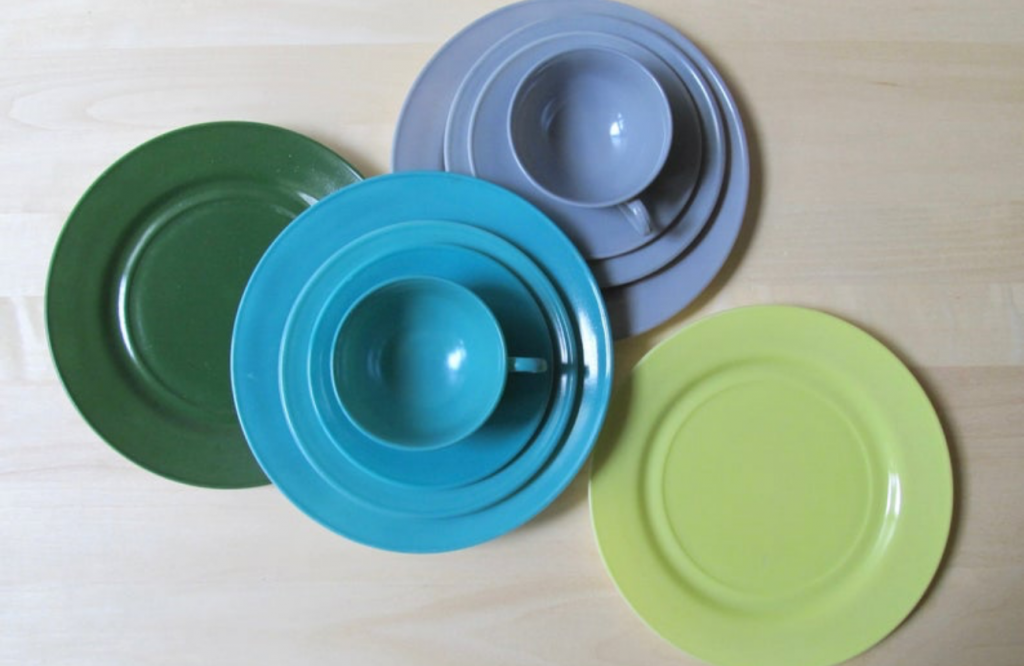 hazel atlas ovide plates, cups and saucers in aqua, grey, lime green and hunter green platonite