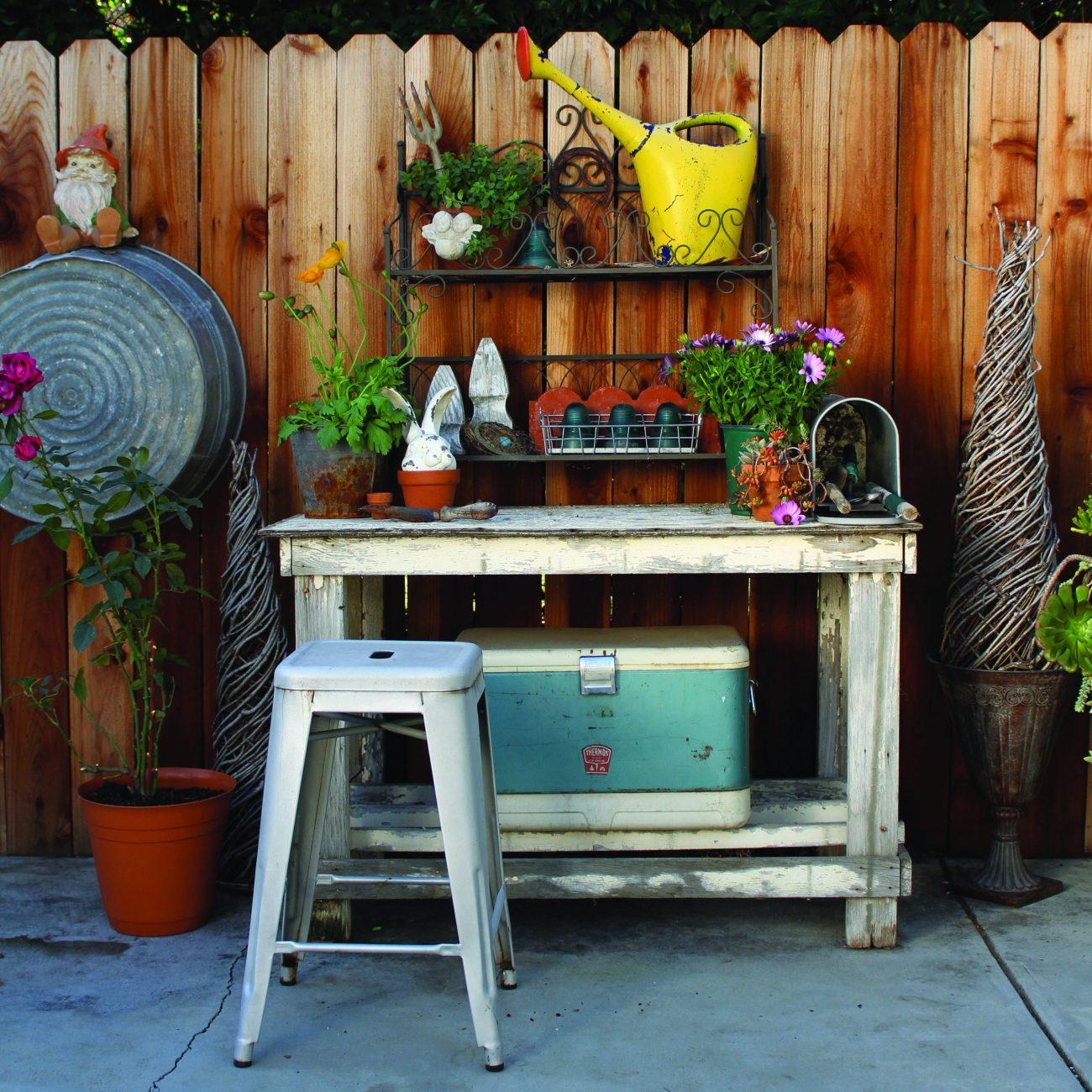 Tour A Cozy Creative Garden