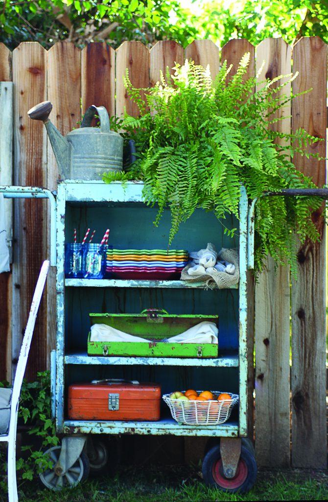 Cozy Garden Storage Shelf