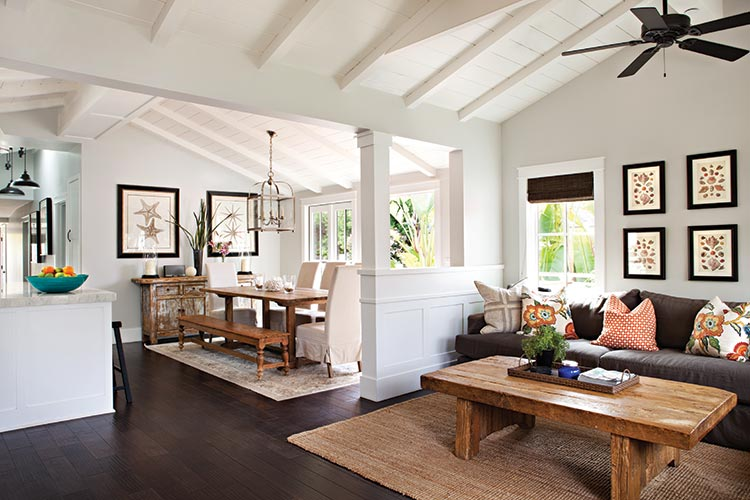Cottage with open floor plan and exposed beams