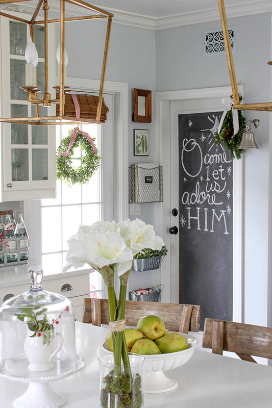 Laura Hamburg, Owner Of Willow Street Interiors, Kept Her Holiday Décor  Sweet, Simple And Affordable With These Christmas Décor Ideas.