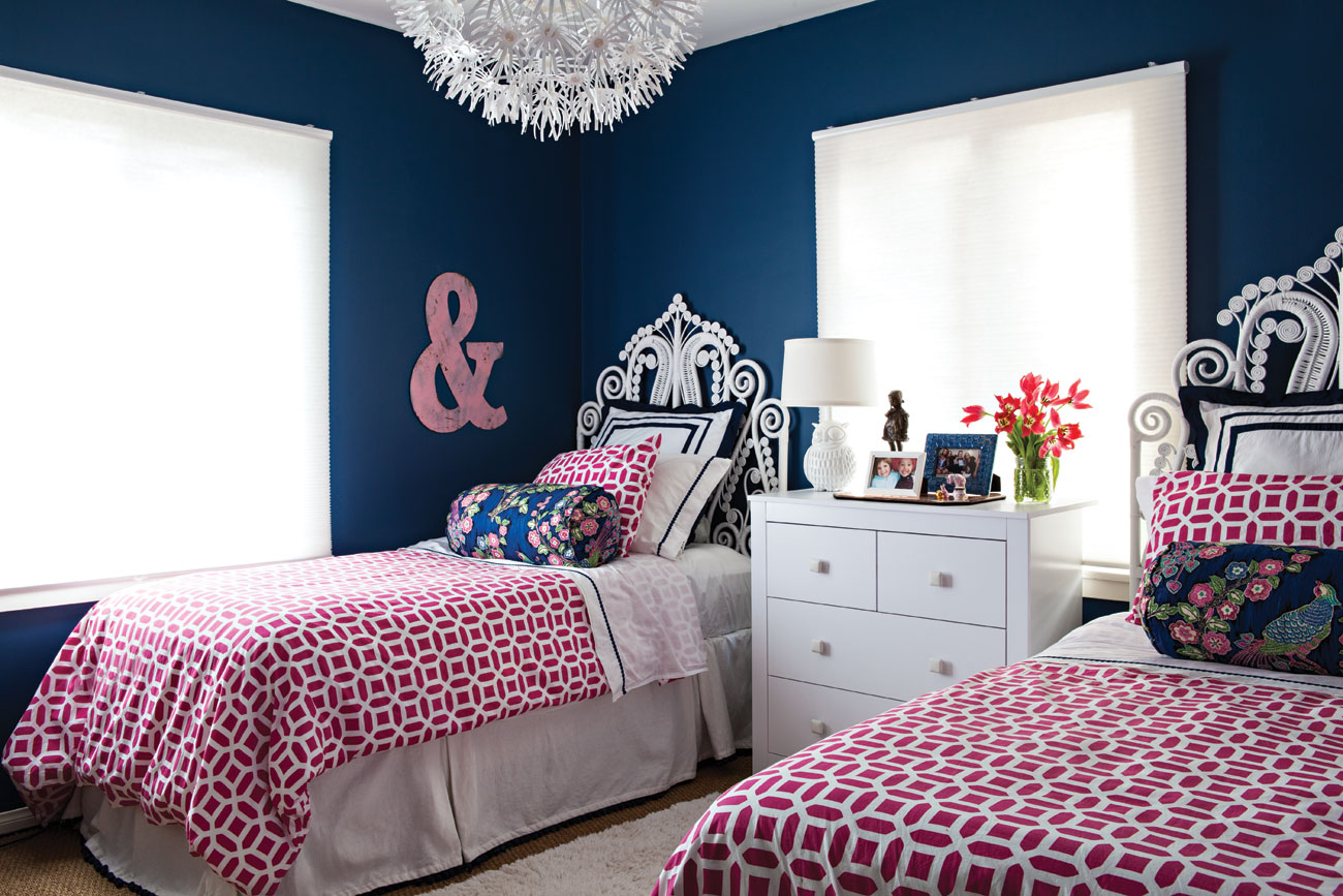 full blue and pink bedroom - Cottage style decorating ...