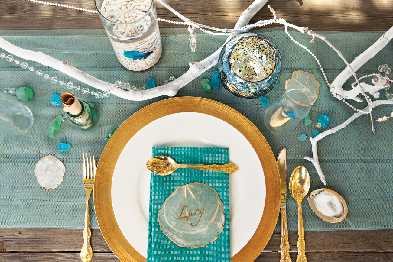 Seaside dinner party tablescape