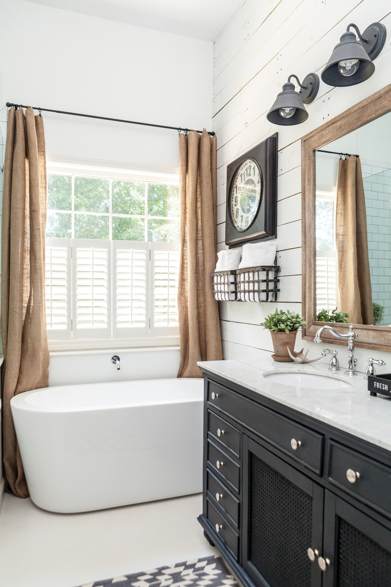 Farmhouse bathroom with tub