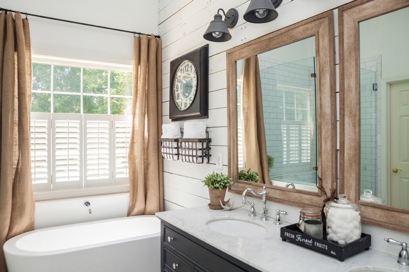 Farmhouse bathroom with rustic flair