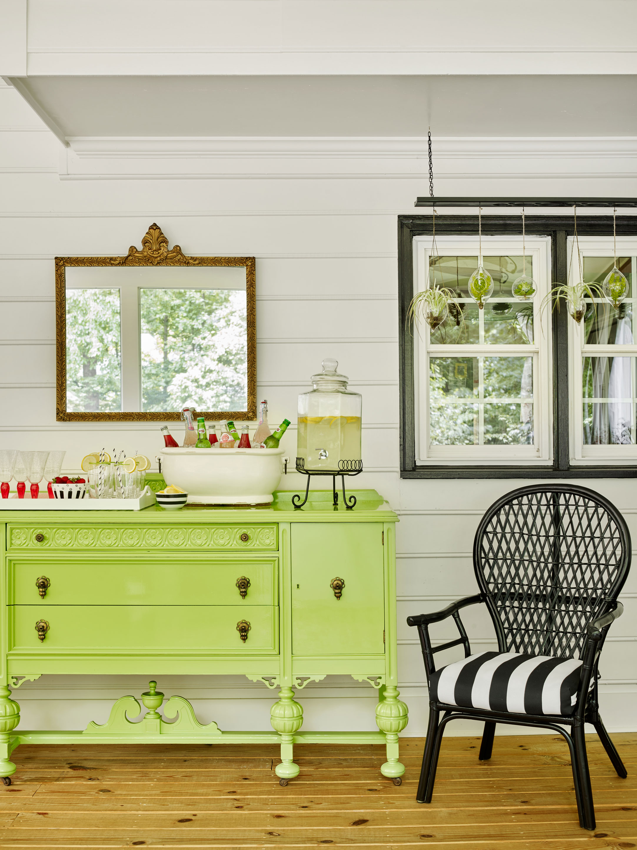 screened-in porch party decor