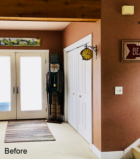 outdated entryway before the remodel