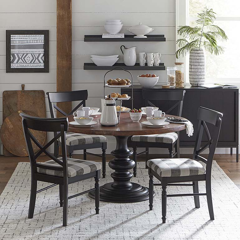Black Friday deals: Cottage breakfast nook