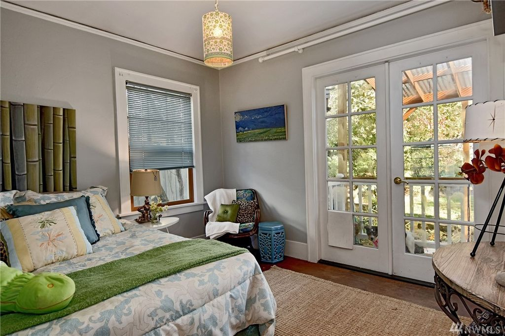 seattle cottage bedroom