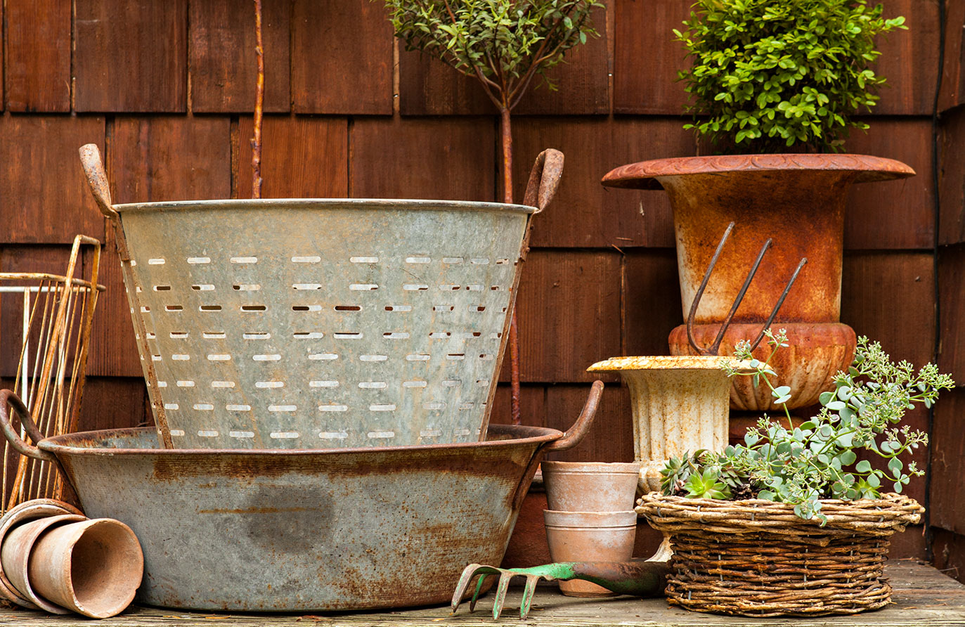 10 Vintage Garden Décor Ideas - Cottage style decorating, renovating and entertaining Ideas for indoors and out