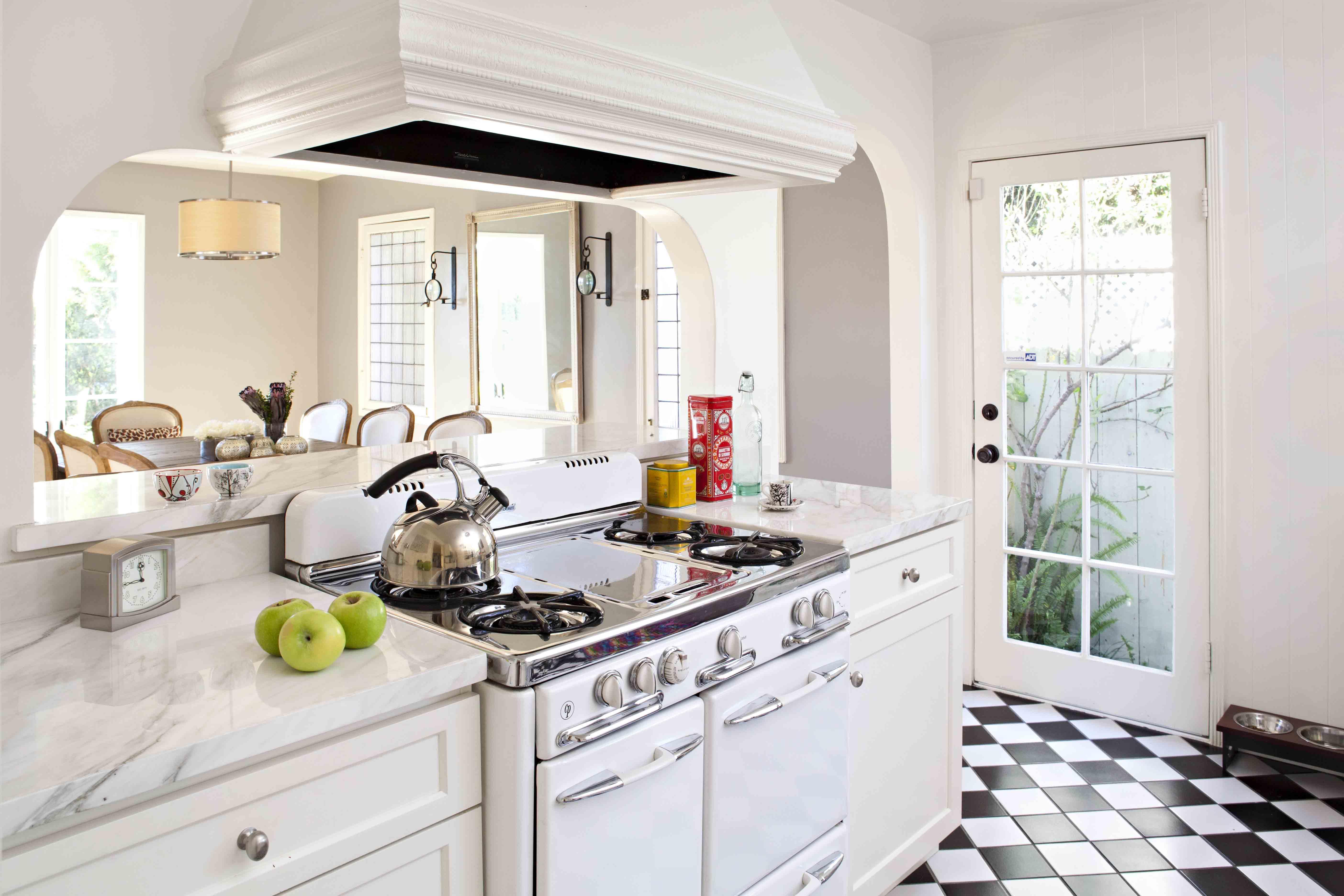 Spring Cleaning Basics - Cottage style decorating ...