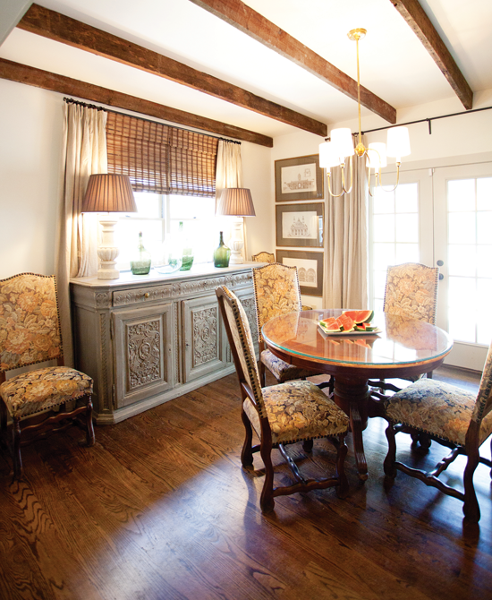 exposed ceiling beams in a cottage dining room