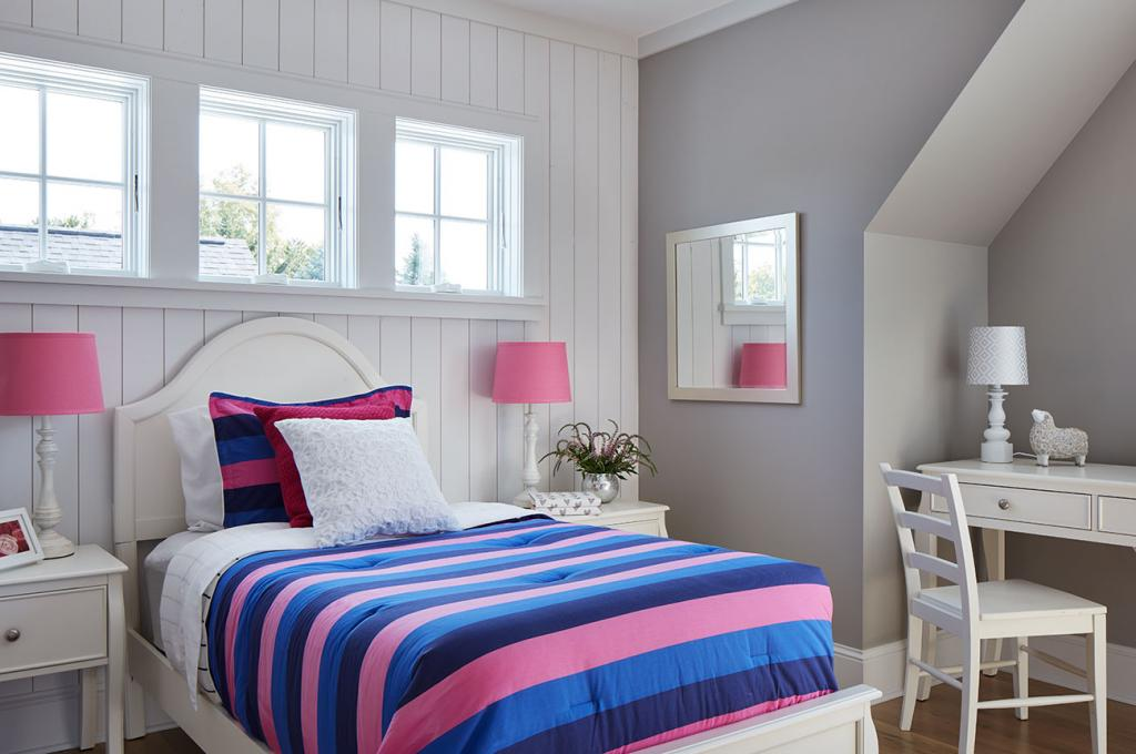square-bedroom-windows
