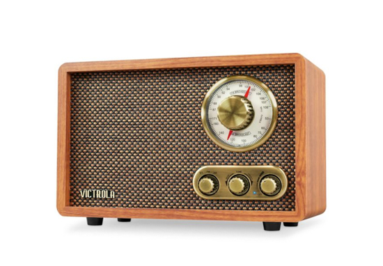 Retro looking radio with usable knobs also bluetooth enabled