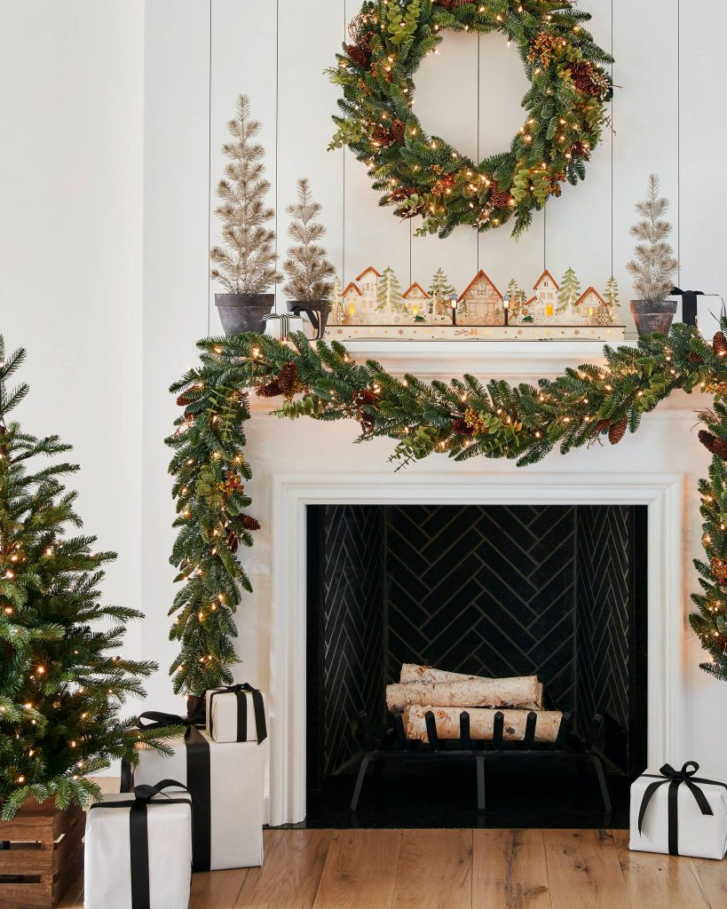 holiday decorating with garlands