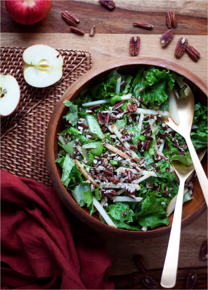 Simple Fall Green Salad with Apples and Pecans