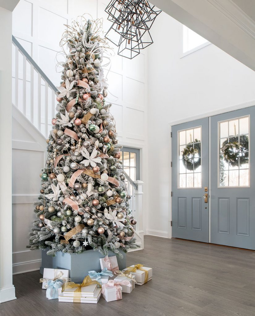 Big W White Christmas Tree: Christmas Decorating With Blue & White