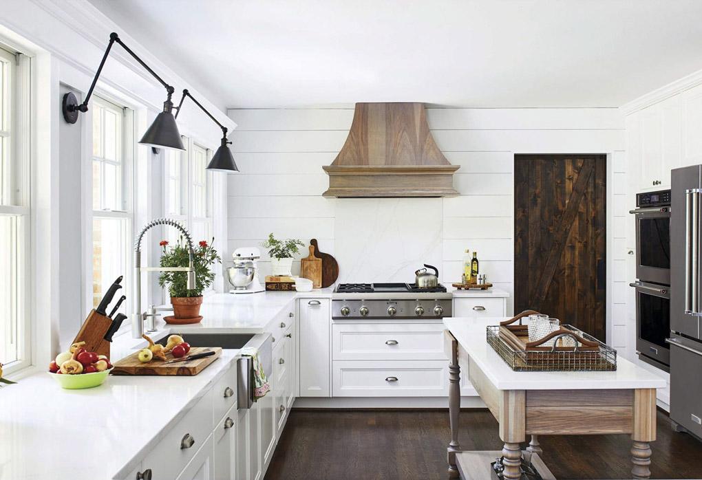 White modern farmhouse kitchen with custom free standing island.