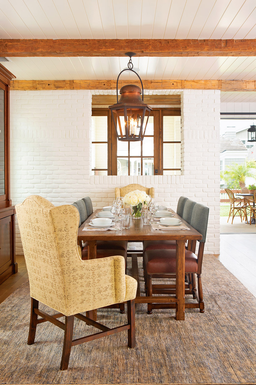 Daring Dining Ideas of beach cottage